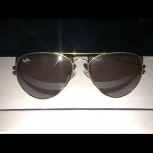Aviator style gold raybans w/ brown tinted lenses